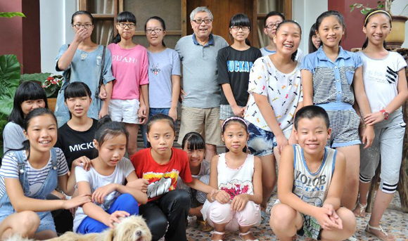 Taiwan compatriot Lin Nien-sheng runs free school in Fujian
