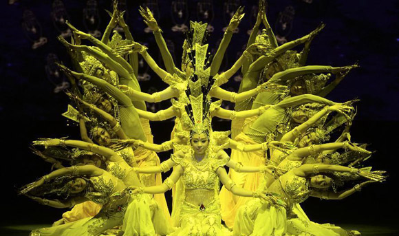 'Guanyin Buddha' performed in 4th China Xinjiang Int'l Dance Festival